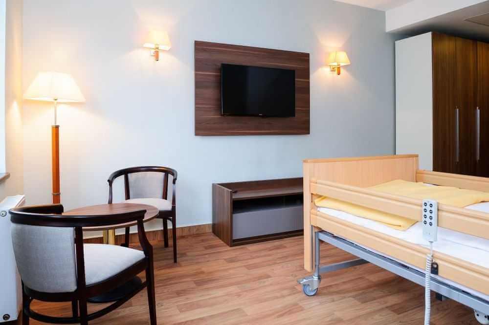Pflegebett Zimmer Polen